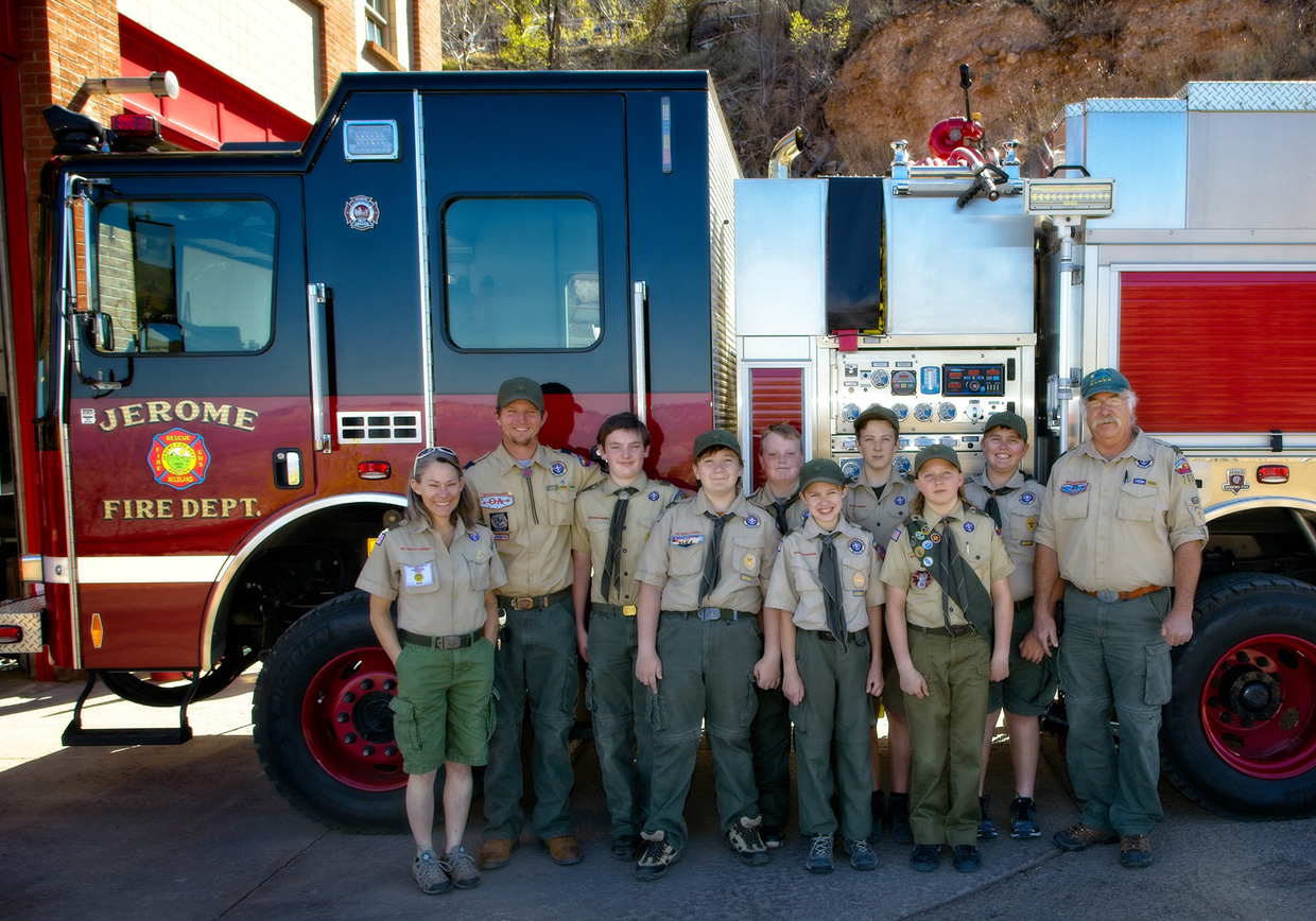 boy scout troop from cottonwood next to new engine 111